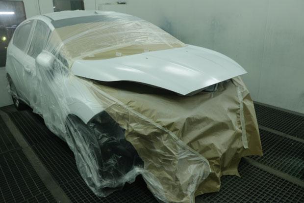fotografia de coche pintandose